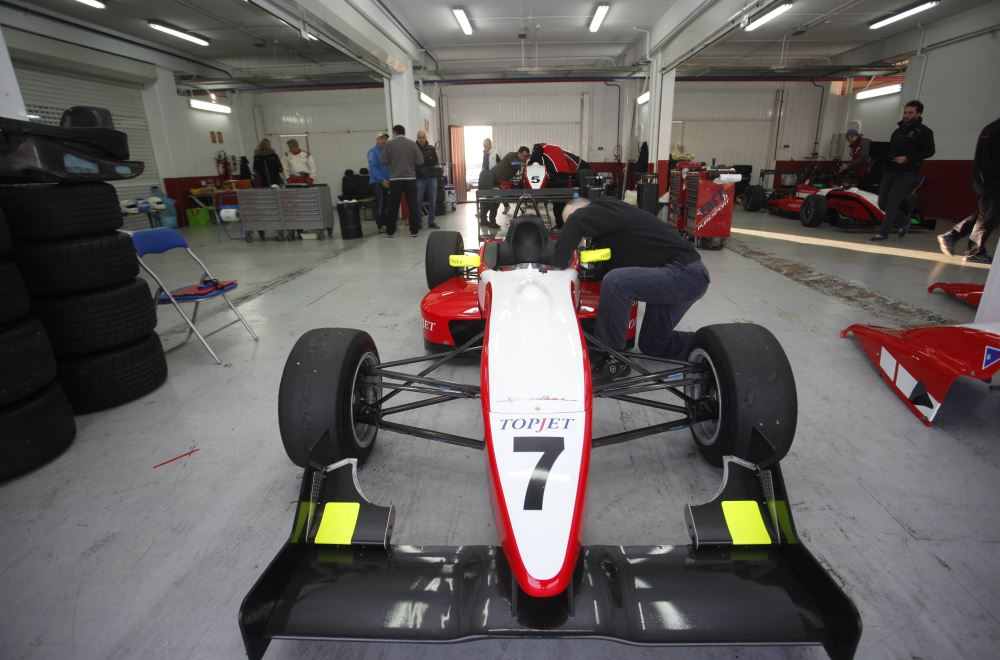 Workouts & Test with F3 Puresport on Valencia racetrack 1