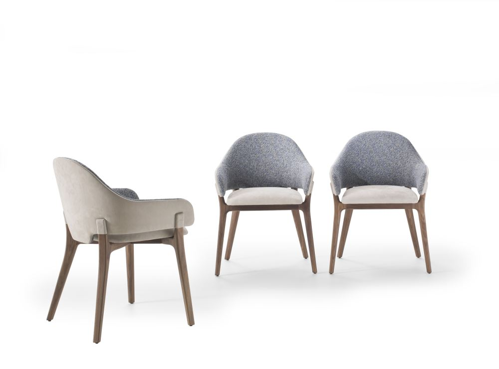 THE NEW TABLE YORK AND LIV CHAIR GIVE A STRONG PERSONALITY TO THE LIVING AREA